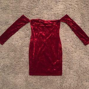 CHERRY RED OFF THE SHOULDER VELVET DRESS!